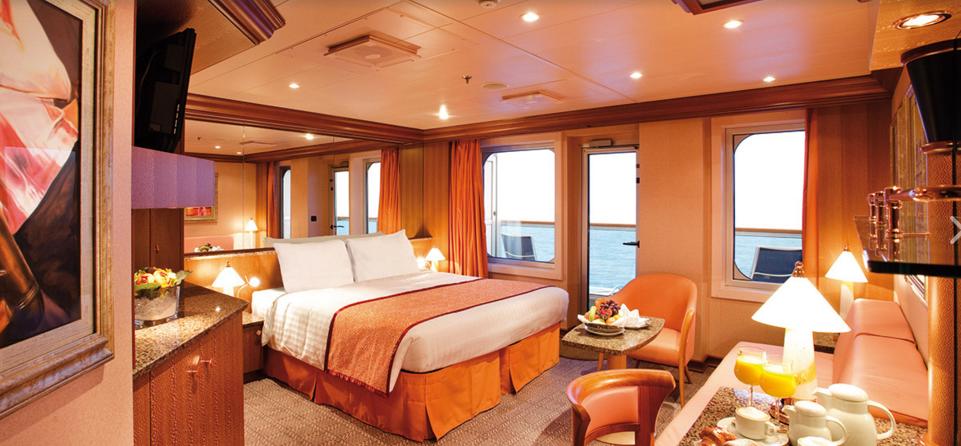Каюта сьют на лайнере Costa Cruises