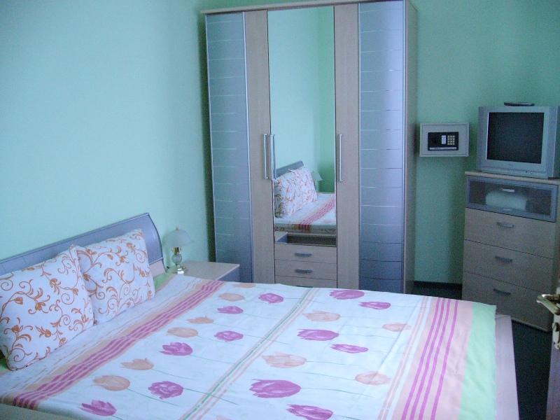 Миргород санаторий РАДУЖНЫЙ, 3-х комнатный Люкс спальня